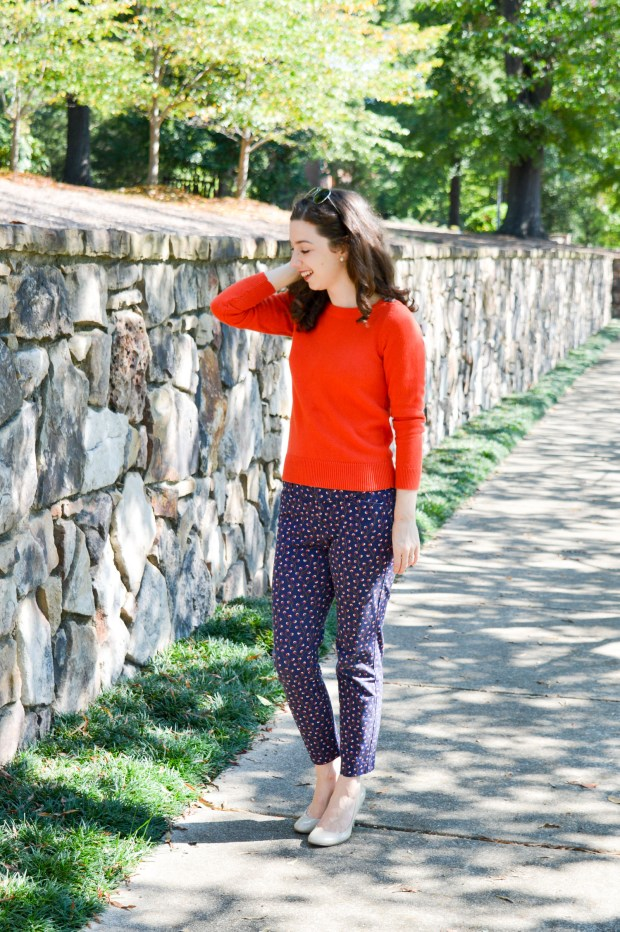 Wear to work ideas \\ fall outfit \\ sweater + ankle pants + heels