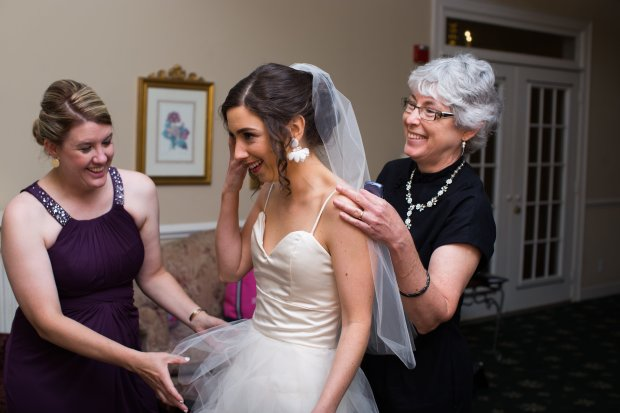 Pitfalls of the wedding dress: Wrinkles in the top