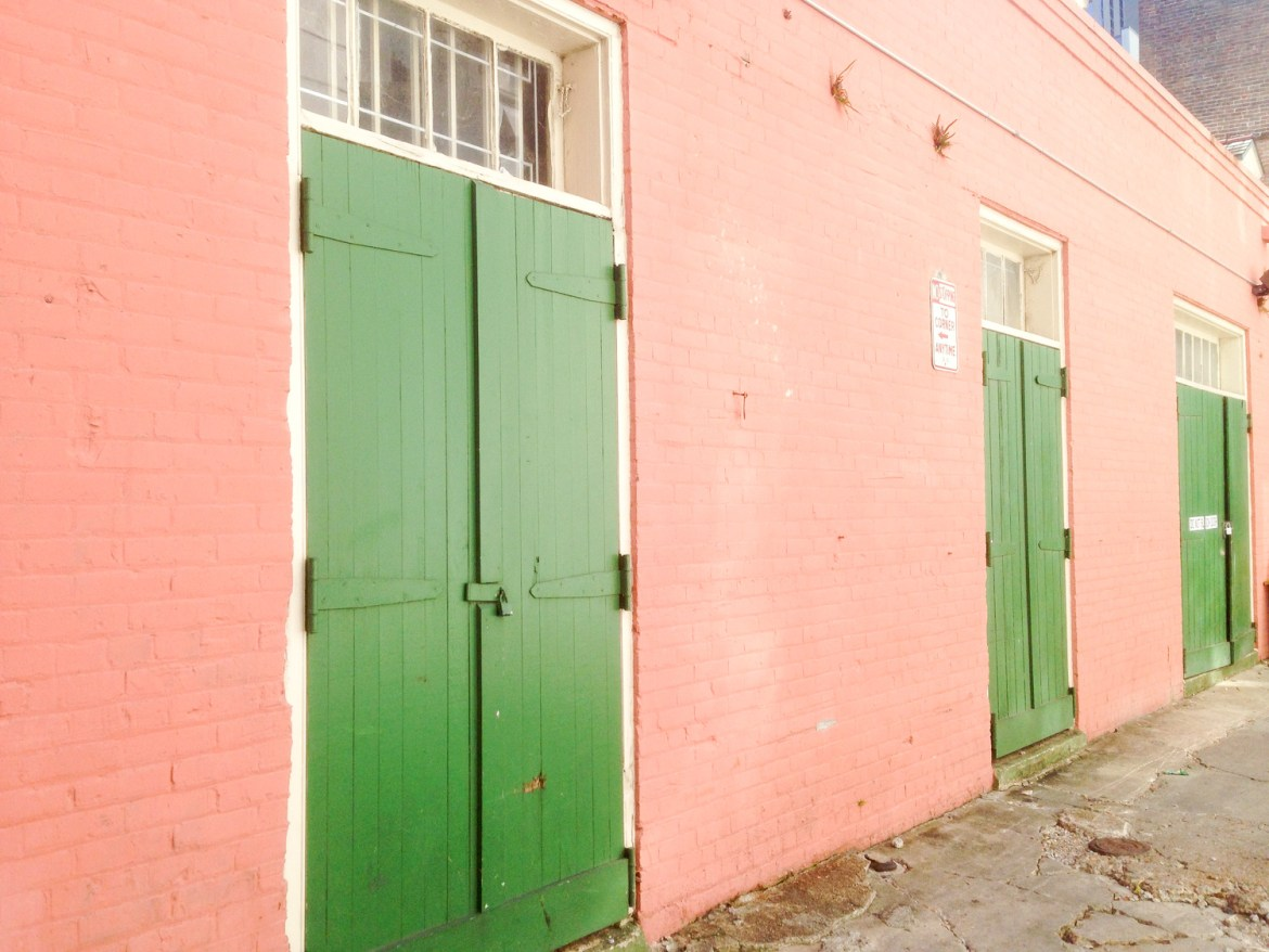 The Colors of New Orleans // Hunting for Pink Flamingos