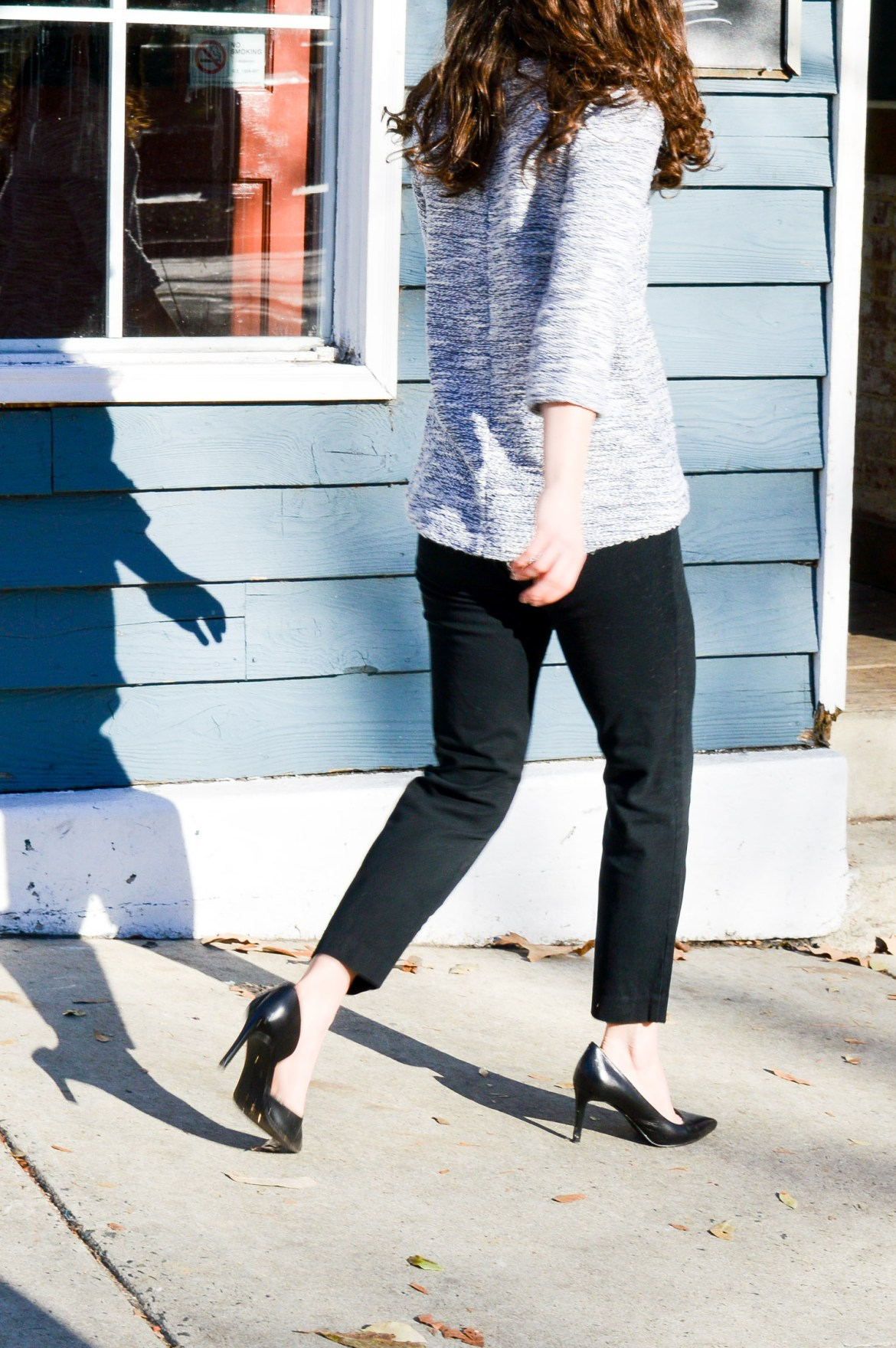 Wear to Work: 3/4 Sleeve sweater and black pants //