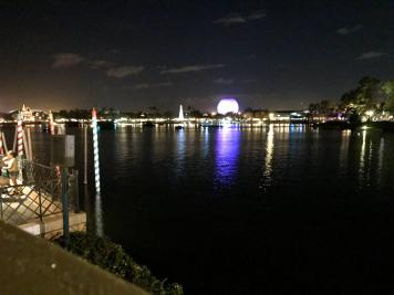 Visiting Epcot with your Extended Family. Tips for keeping the Peace while on vacation to Disney. www.HuntingforRubies.com