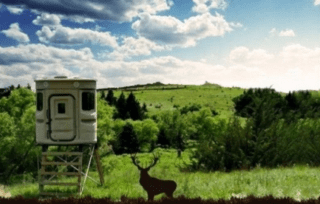 huntingpodscom blind in Oklahoma, prized rack, hunting land, feeders, bait, corn feed, grazing land, farm property, watering holes, cabins, wood stoves, mounted racks