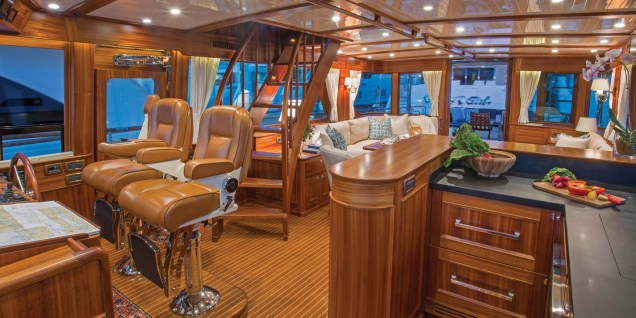 Hunt-Yachts-Ocean-Series-72