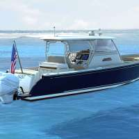New Hunt Yachts 40 Center Console with Triple Mercury Outboards