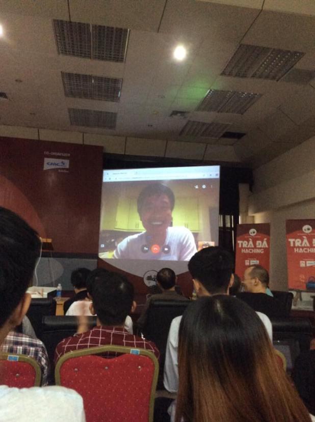 Dương Ngọc Thái (ThaiDN) trình diễn từ xa bên Google