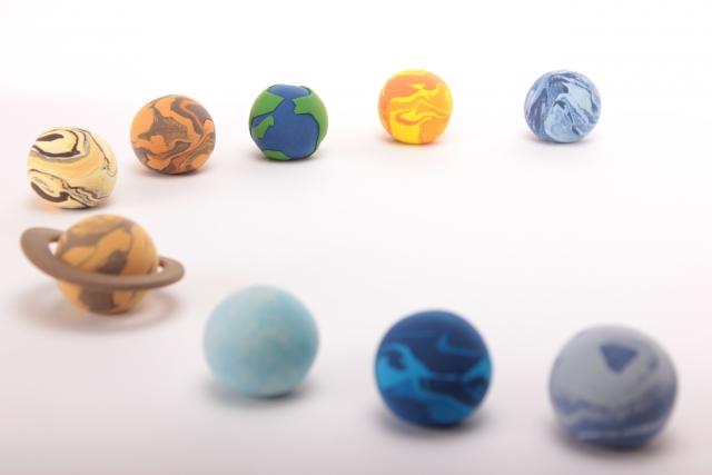 太陽系の端から新天体発見|占星術に影響は?