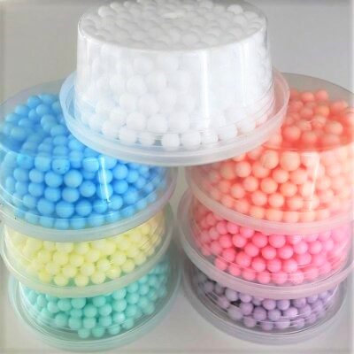 Plastburkar & Pastellfärgade Styrolitkulor - Foam Beads 7-pack