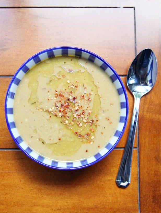 8. Vegan Chickpea Soup - 18 vegetarian lunch ideas