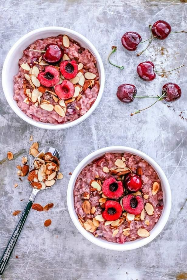 Almond Cherry Oatmeal - 18 Vegetarian Breakfast Ideas | hurrythefoodup.com