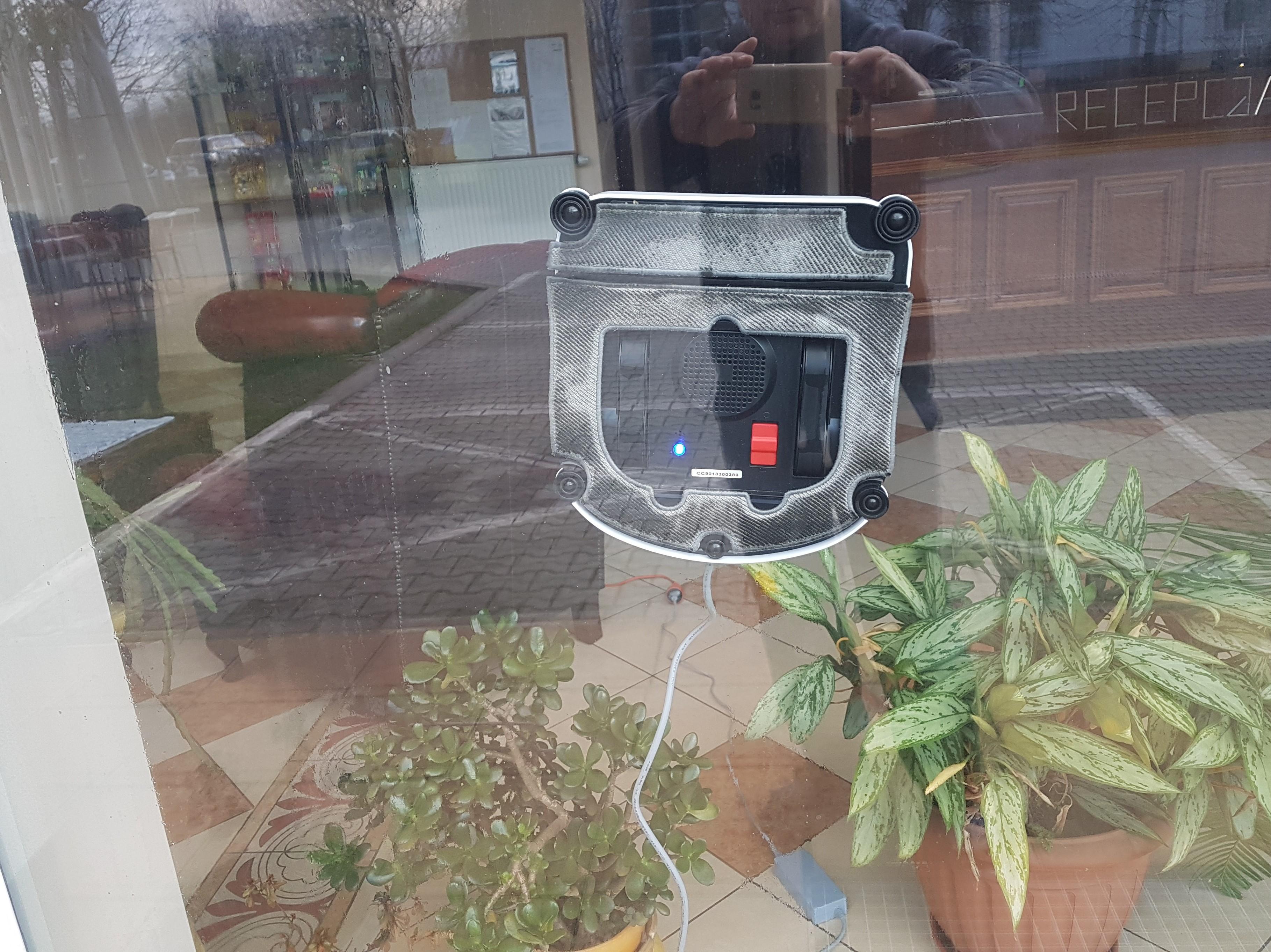 Robot do mycia okien