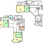 家族だと実は使いにくいのでは?と思ってしまった463.37㎡の巨大な間取り。別荘?保養所?と思ったのですが、そんなことはないみたいですねぇ台所がちょっと狭すぎる気が…模様のせいで、一瞬、納戸が網戸に見えてしまった(笑)5人で住めば1人2万でこの広さ楽しそう。#色付け#法則#謎#豪邸#お家賃#99800#円#光熱費#高そう#間取り#間取りマニア #間取りフェチ#間取り道#間取り萌え#間取り図#間取り図鑑定士 #間取り図大好き #間取り好き#間取り図フェチ #合宿#気分