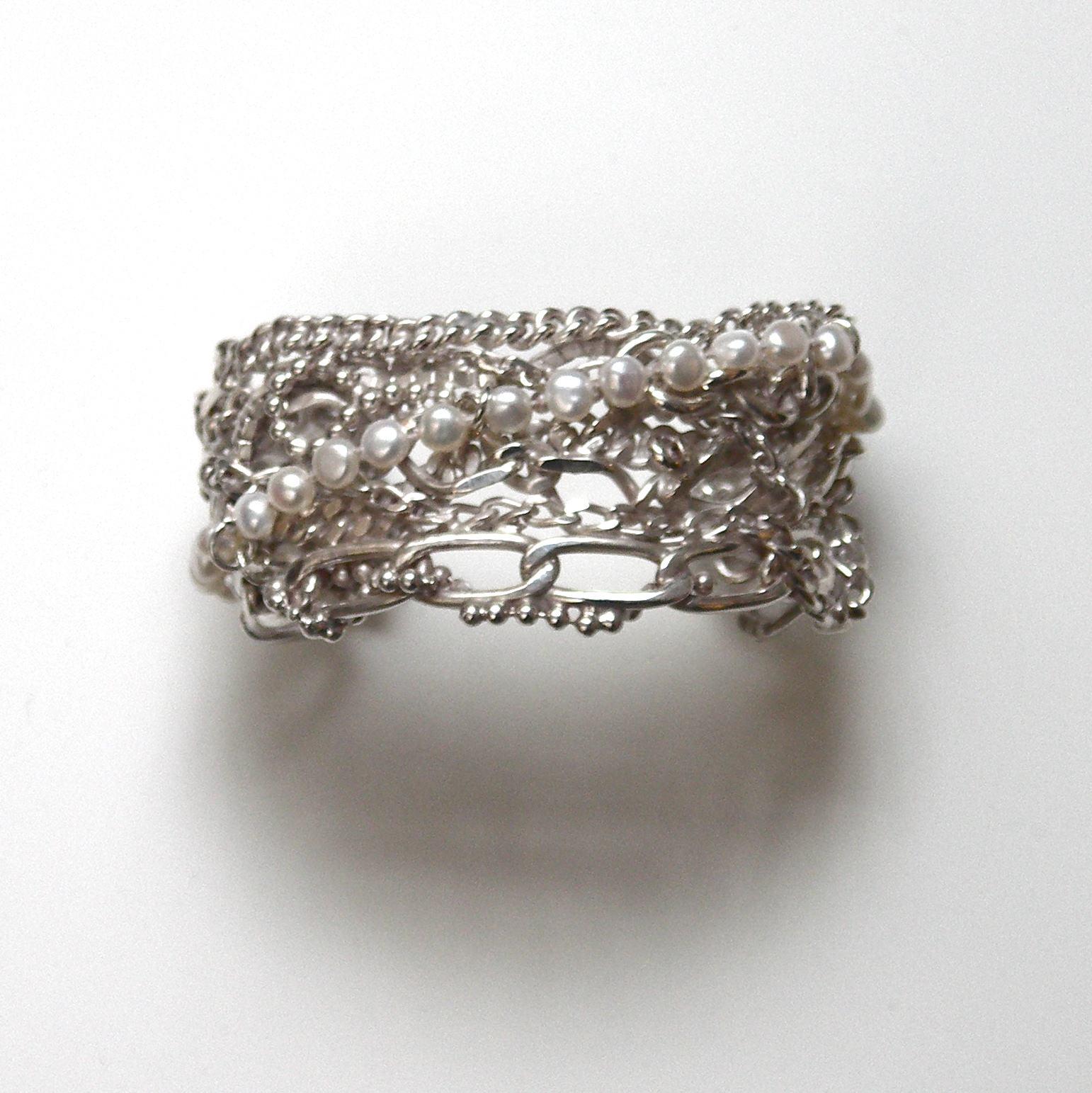 TCC-Tangled chain and pearl cuff