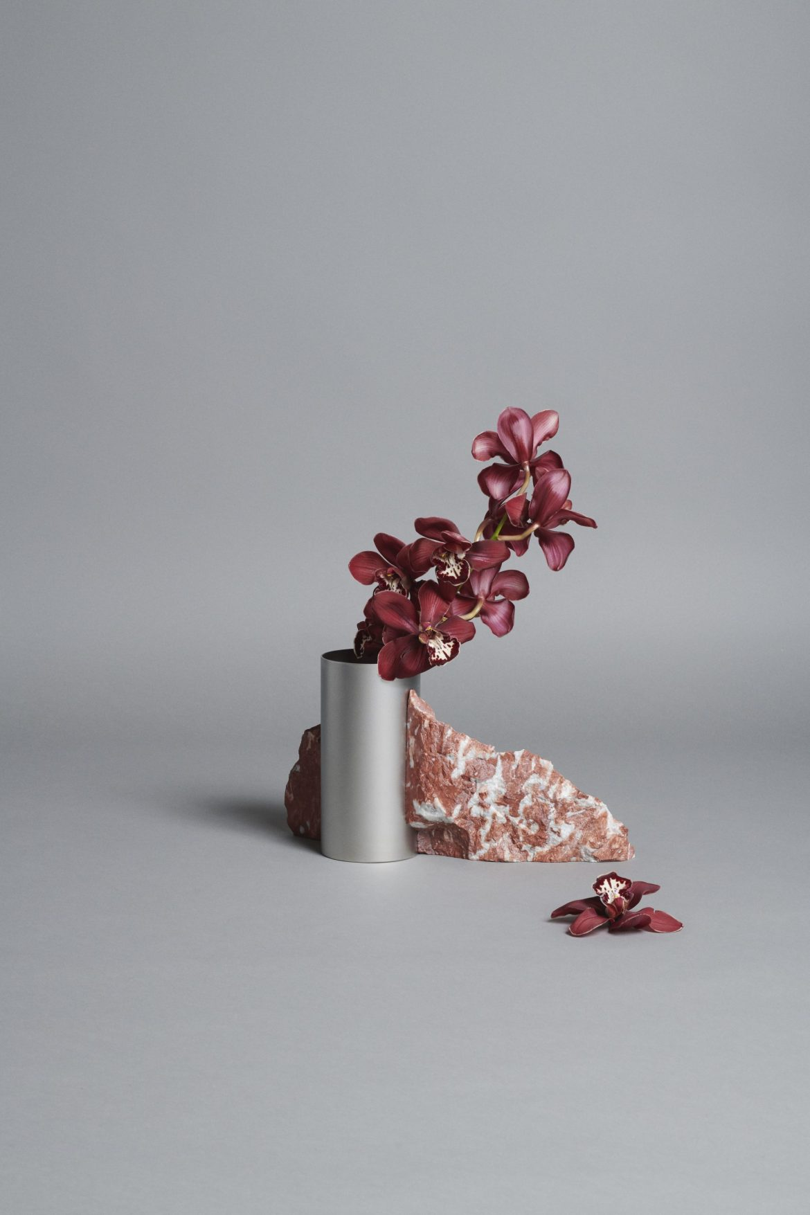 Bloc Studios x Tableau, Minimal red marble and metal vase
