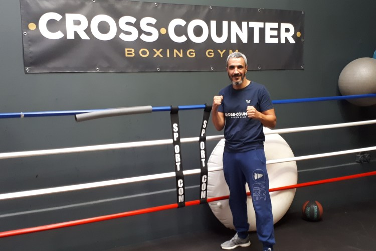 De La Débrouille à La Professionnalisation De La Boxe En France, Le Combat De Cross Counter