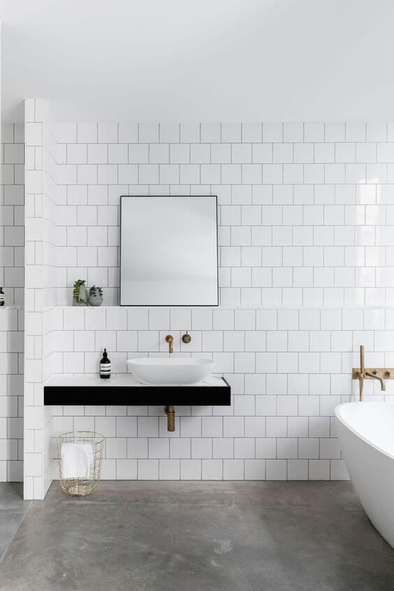 simple bathroom wall decor