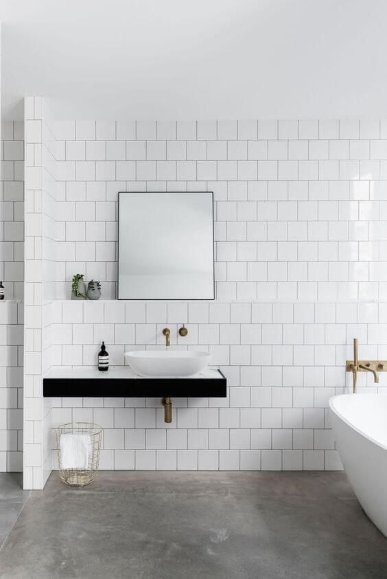 simple bathroom wall decor