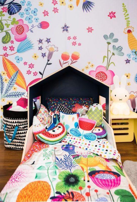 wall decor ideas for girl bedroom