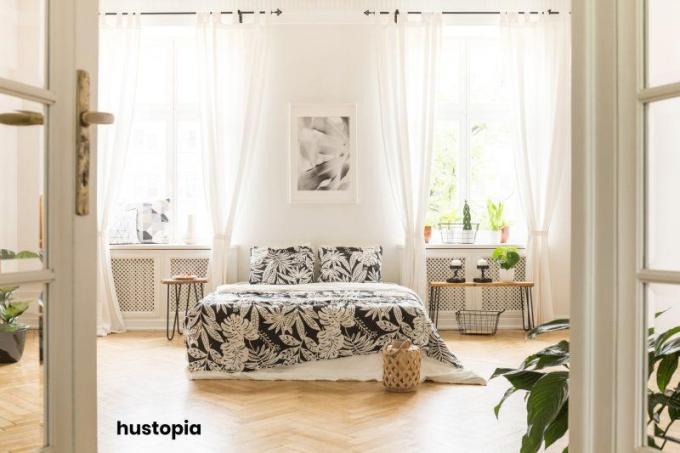 Queen Bed Decorating Ideas