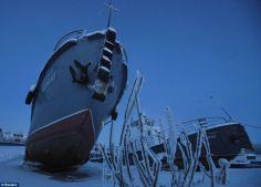 """Zamrzlé lodě na ,,nezamrzající"""" řece"""