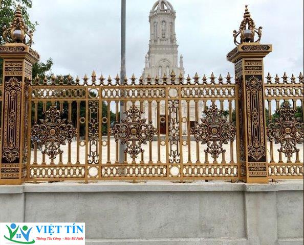 Tham khảo địa chỉ làm hàng rào nhôm đúc