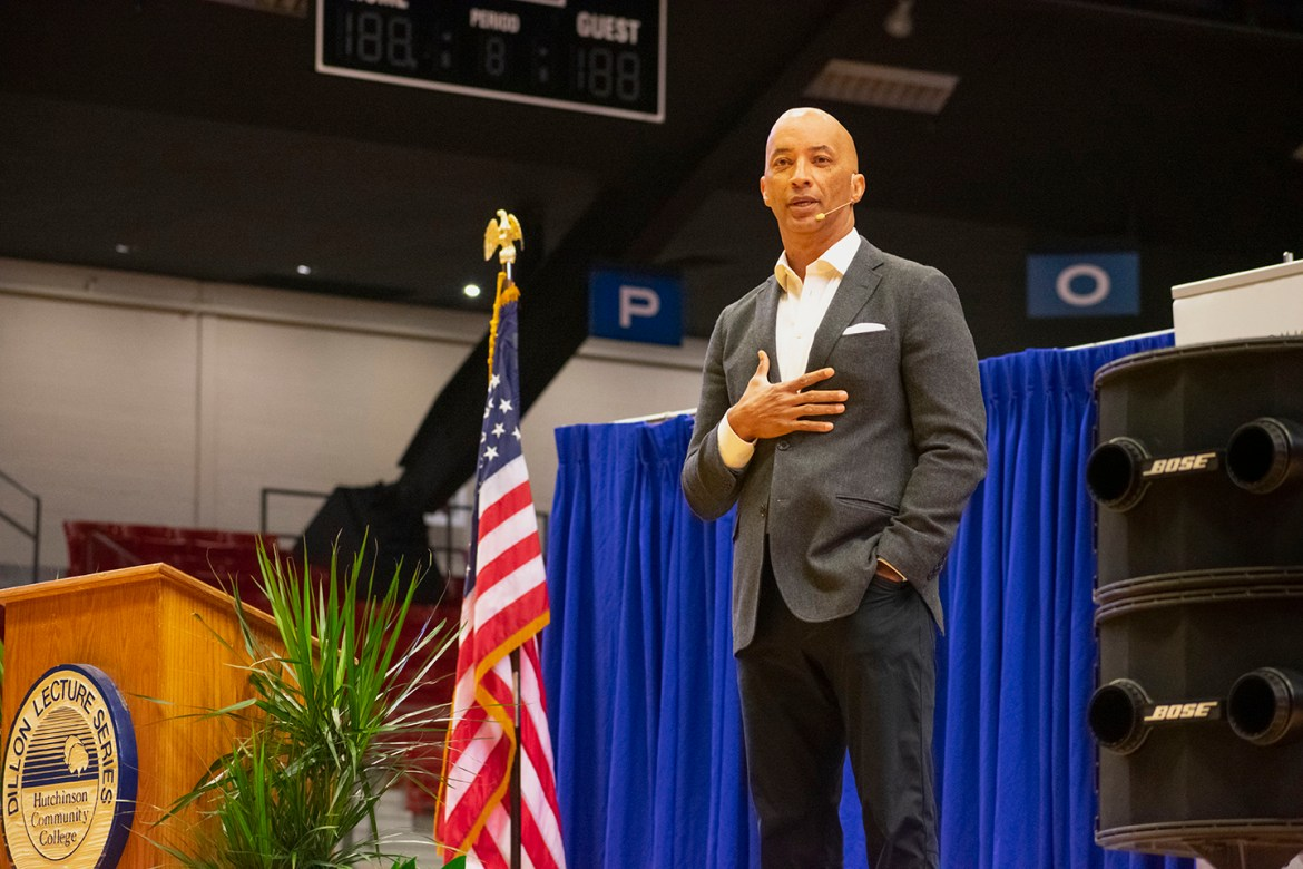 """'Nightline"""" co-host speaks at Dillon Lecture Series"""