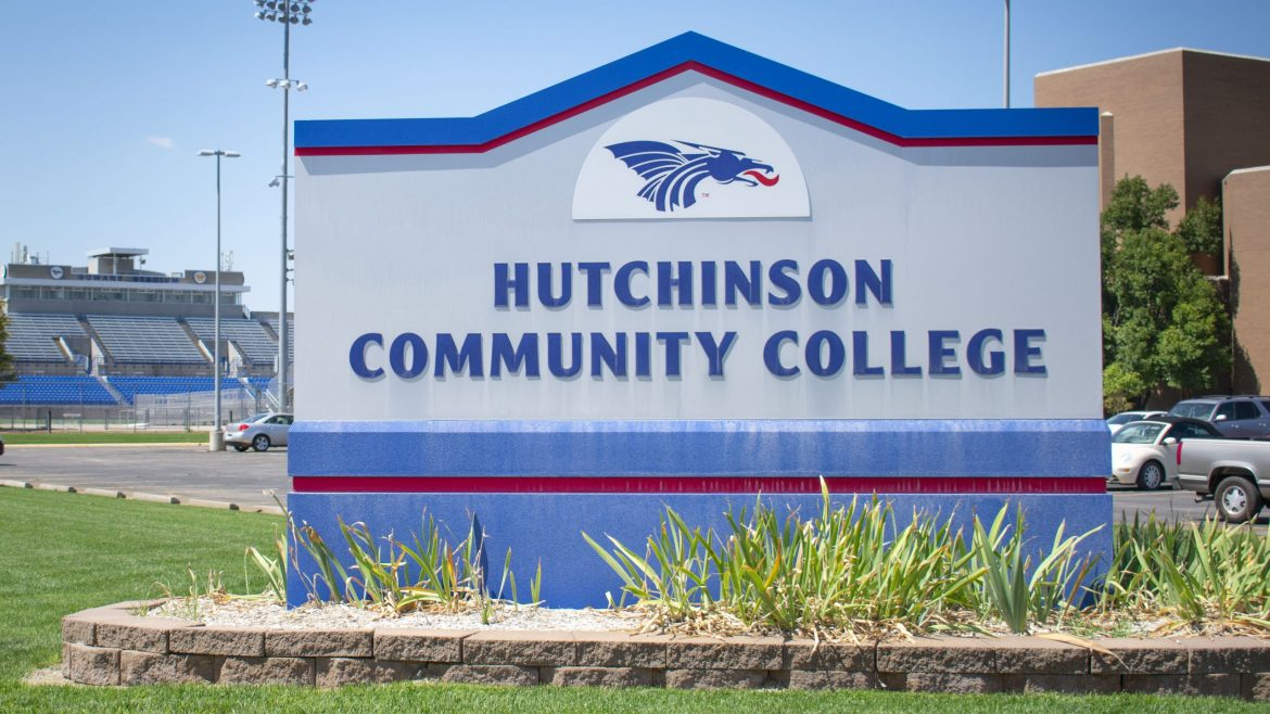 HutchCC honors program students win conference awards