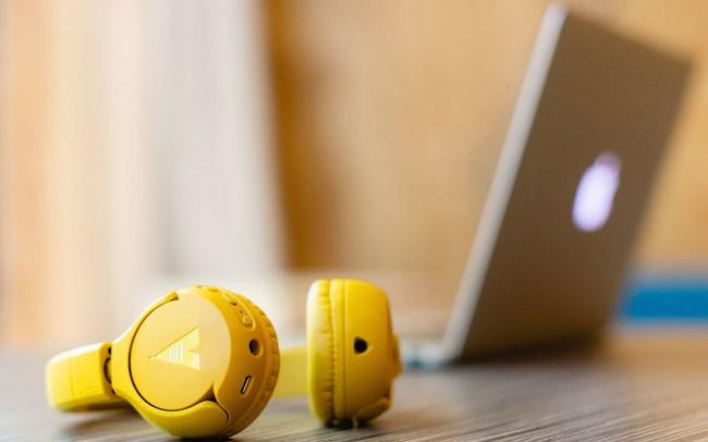 Lifestyle fotografie & video POGS Kids only Headphones