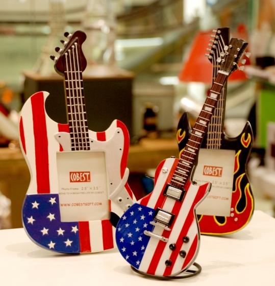 Guitarras (porta retrato / réplica)