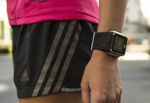 Адидас-Аdidаs-miCоаch-SМАRТ-RUN-умные-часы-на-базе-Android-5