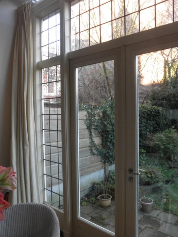 Nieuwe ramen van binnenuit gezien