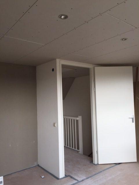 Afwerking plafond met gipsplaat