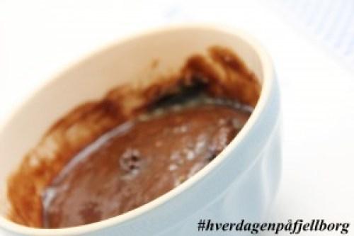 Koppkake/mug cake med sjokolade og hjemmelaget iskrem