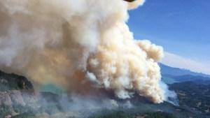 842015-51216_Wood-Lake-Fire-Aug-4-Photo-4-e1438881885830-878x494
