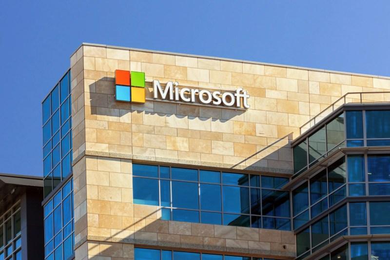 Microsoft Invests $1 Billion in OpenAI