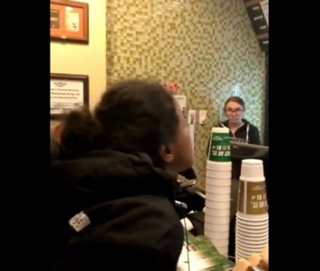 Chick Spazzes Out On Wing Stop Workers For Calling Her A Dumb Btch Views 23518