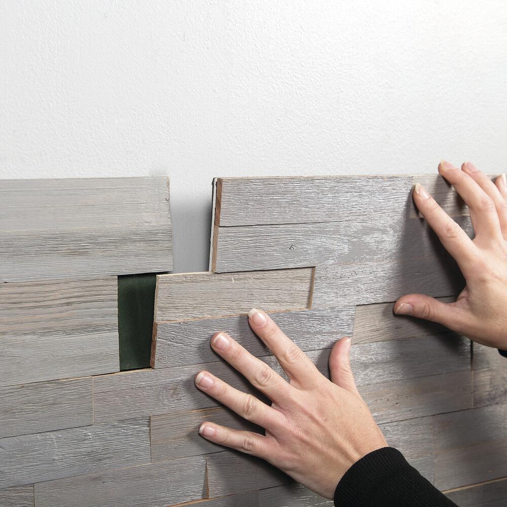 peel stick wood tile