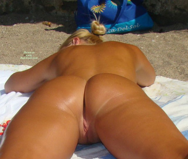 Pic  Blonde Nudist Girl In Rodos Island Greece