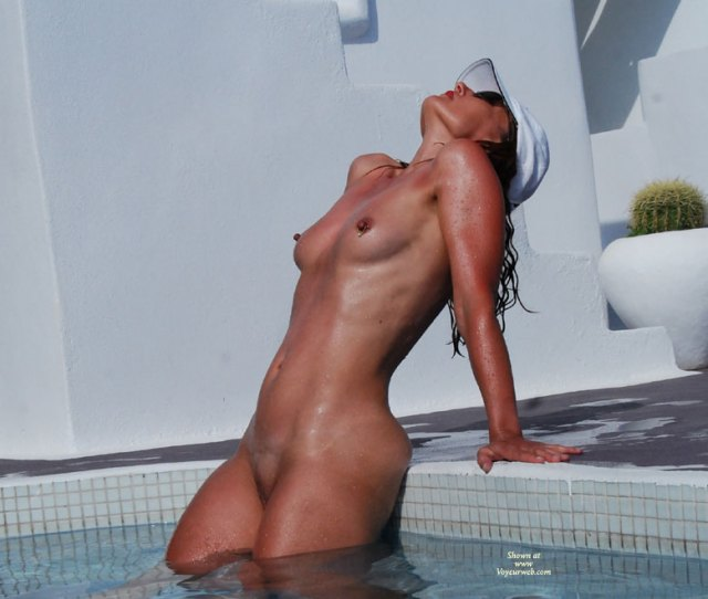 Nude Sexy Girl In Pool