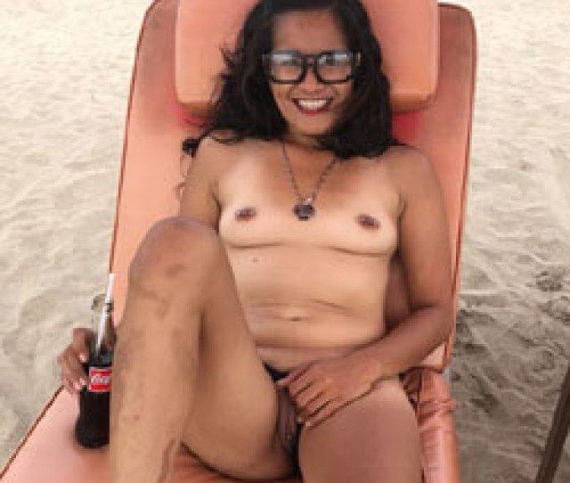 My Girlfriend On The Beach Nude Girlfriends Beach Brunette Outdoors Amateur