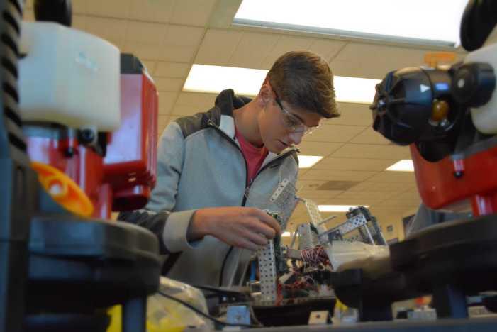 Roboticist Cameron Schiller '18 races towards his dream
