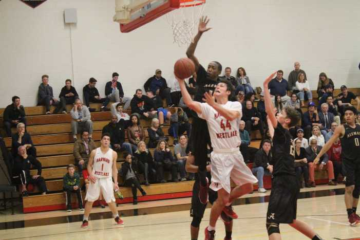 Warriors hand Wolverines third straight Mission League loss