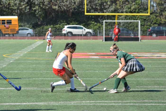 Field Hockey defeats Edison in season opener