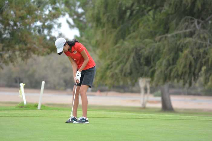 Girls' Golf wins midseason tournament