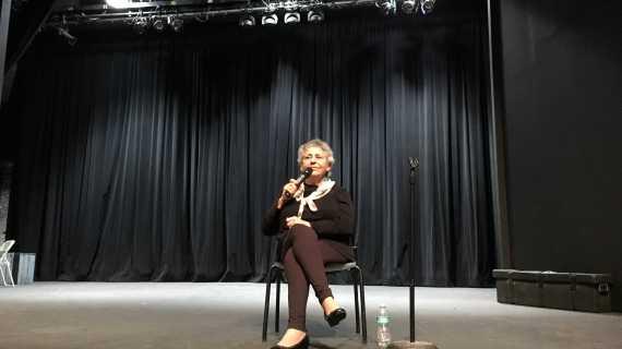Holocaust survivor speaks to sophomore class