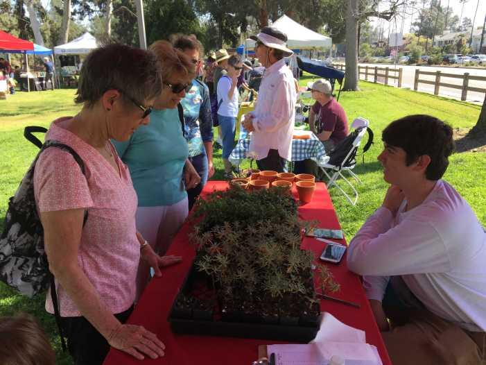 Environmental Club participates in Green Living Fair