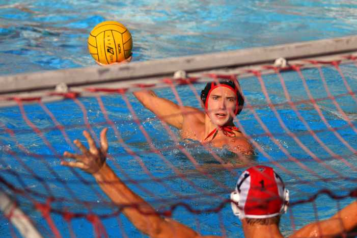 Water polo wins first round of CIF