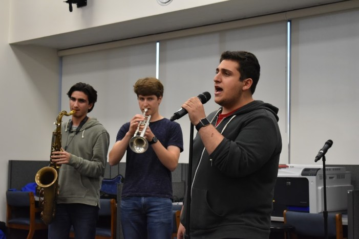 Students perform at first Coffeehouse of year