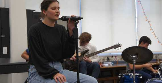 Students perform in first Coffeehouse of the year