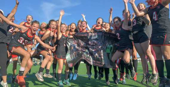 Field Hockey beats Huntington Beach to become undefeated champions
