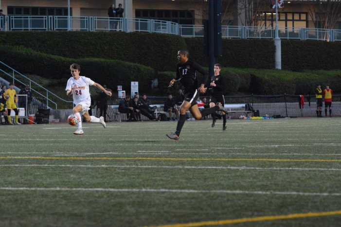 Boys' soccer routs Alemany on Senior Night